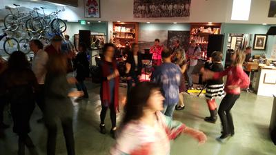 Live Music & Dancing!